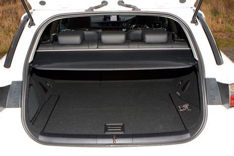 lexus ct 200h cost lexus ct hatchback 2011 running costs parkers