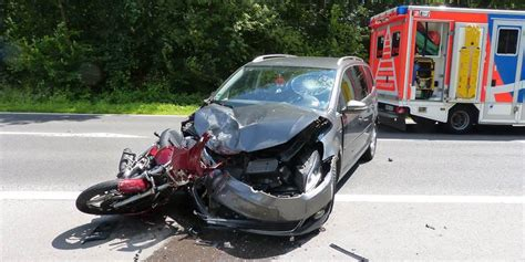 Motorrad Unfall Windeck by Unfall Zwei Schwerverletzte Nach Motorradunfall
