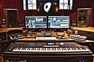 Studio Homes 10 must have music gears for your home studio the