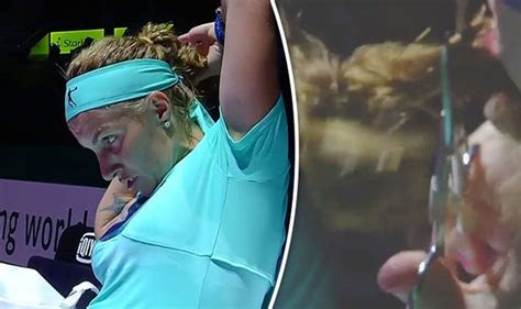 kuznetsova cuts her own hair to beat radwanska svetlana kuznetsova chops her hair during wta finals match
