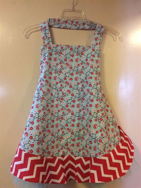 apron pattern with ruffles 17 best images about aprons on pinterest dr seuss