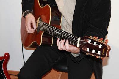cara bermain real guitar moou