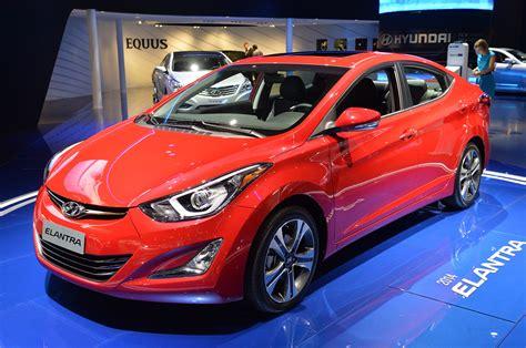 New 2014 Hyundai Elantra by 2014 Hyundai Elantra Unveiled With New Sport Trim Cars Co Za