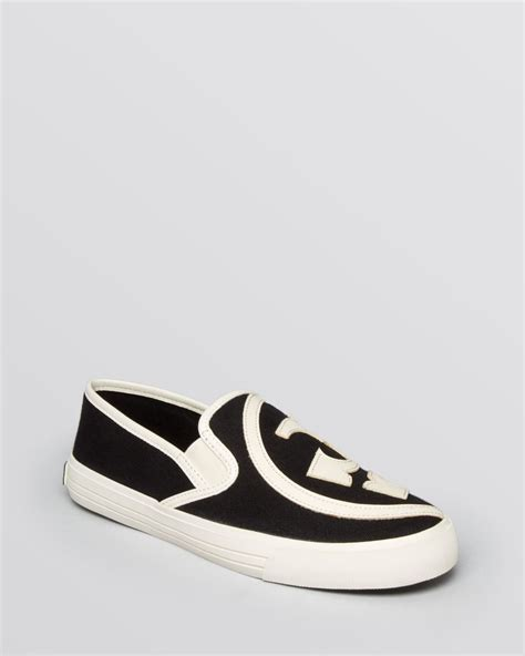 Slip On On19 Putih 2 lyst burch sneakers slip on in white