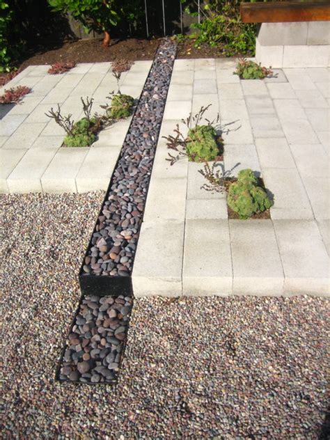 Landscaping Ideas To Keep Water Away From House River Rock Channel Contemporary Landscape San