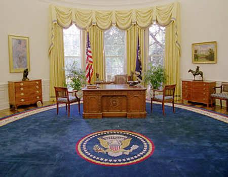 donald trump oval office decor trump brings his love for gilded decor to oval office