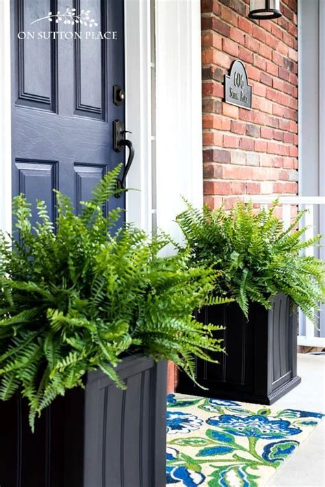Porch Planters by Best 25 Front Porch Planters Ideas Only On