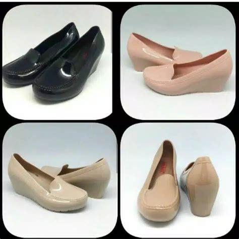 Sepatu Wanita Cewek Sepatu Tali Yeezy New Pink Replika Terlaris sepatu wedges polos merek bara bara klik oke klik oke