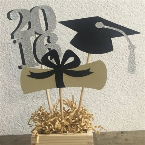 centerpiece ideas for graduation 25 best ideas about graduation table centerpieces on