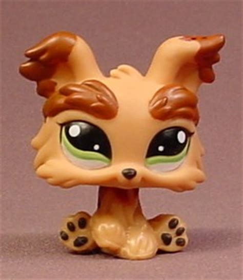 lps yorkie littlest pet shop 1016 brown terrier puppy with green shi
