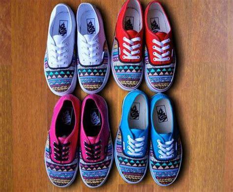 aztec pattern vans shoes tribal aztec painted shoes vans from denimtrend