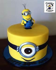 cake decorations minions best 25 minion cake design ideas on minion