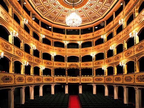 malta dove soggiornare teatro manoel a la valletta fidelity viaggi