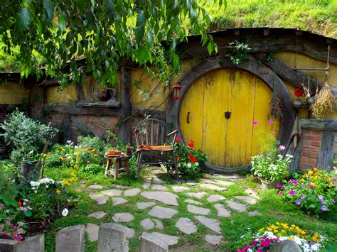 hobbit hole what hobbiton s like poms away