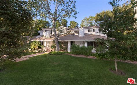 Bel Air Valley Detox Encino by Kyle Richards And Mauricio Umansky List Their Bel Air Home