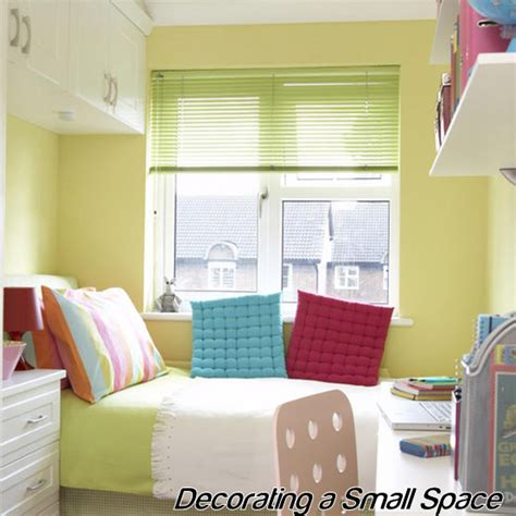 How To Decorate Small Spaces Small Spaces Home Decorating Simple Home Decoration