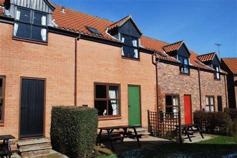 Endeavour Cottage Whitby by 2 Bedroom Cottage For Sale In Endeavour Court Captain