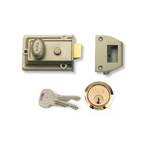 Exterior Door Lock Yale Traditional Front Door Lock Robert Dyas