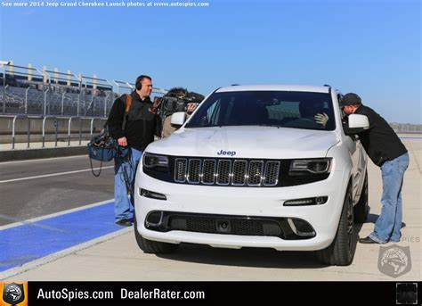 porsche jeep 2014 review 2014 jeep grand srt the