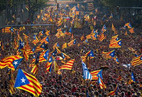 barcelona independence thousands rally for catalan independence in barcelona