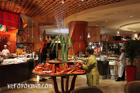A Tasty Passage To India Town Restaurant The Fullerton Passage To India Buffet
