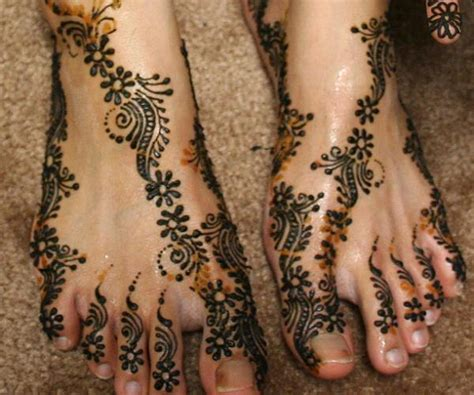 pakistani henna design 19 stunning pakistani mehndi designs for hands and feet