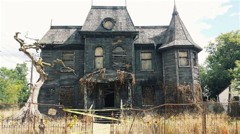 houses from movies exclusive new photos from the set of it welcome you to the