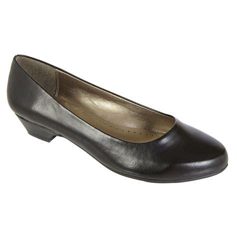 basic editions women s dress shoe renee wide width taupe