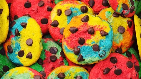 what color is the cookie how to make rainbow chocolate chip cookies today