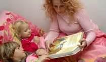 kleinkind ins bett bringen einschlafen kleine kinder am besten mit einem ritual ins