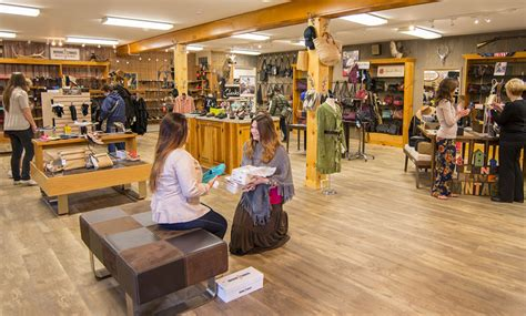 Kitchen Kettle Stores The Deerskin Leather Shop Shopping At Kitchen Kettle