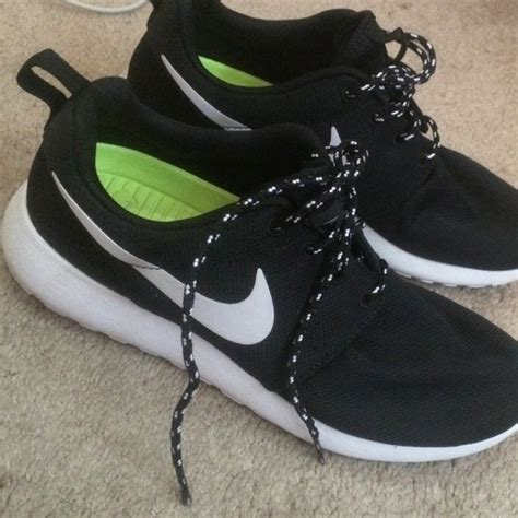 19 nike shoes black and white nike roshes on