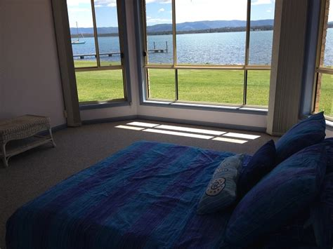 lakeside bedrooms master bedroom with ensuite lakeside bonnellsbay