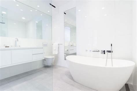 White Decor How To Make It Work Decor Lovedecor Love Modern White Bathrooms