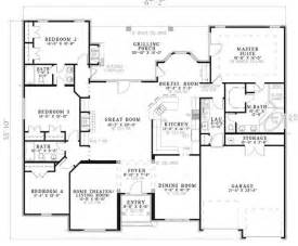 Single Level Ranch House Plans Traditional Plan 2 525 Square Feet 4 Bedrooms 3