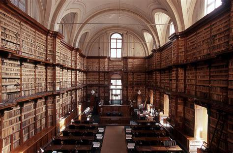 libreria ambrosiana una biblioteca un libro