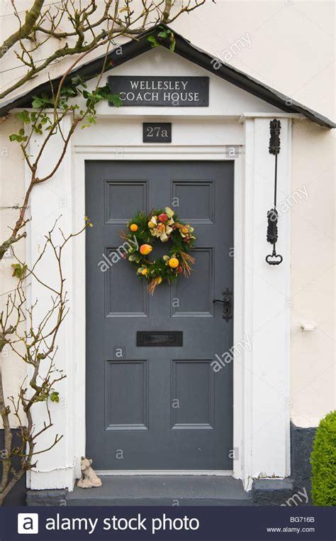 Xmas Wreath On Front Door With Old Bell Pull Period House Exterior Door Bells