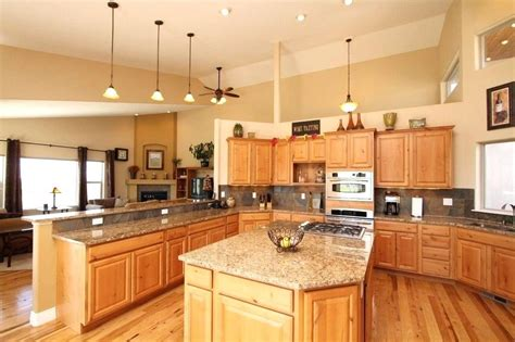 kitchen colors with hickory cabinets kitchen paint colors with hickory cabinets