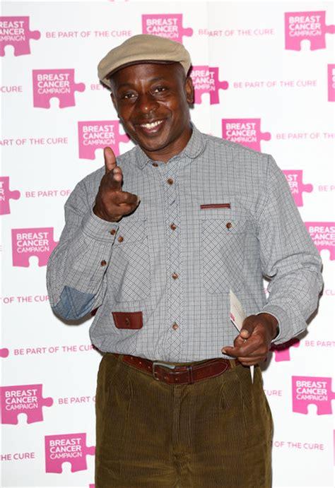 vas blackwood vas blackwood pictures breast cancer caign launch
