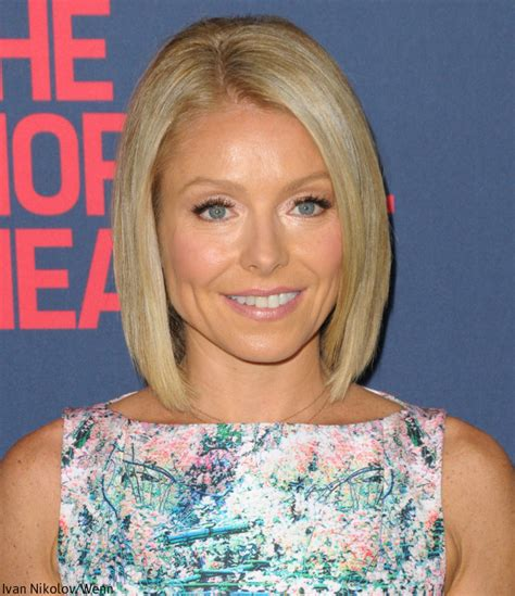 what color does kelly ripa use on her hair does kelly ripa use botox she says