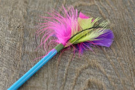 feathers for craft projects pencil crafts for easy feather topped pencils