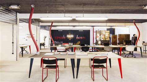 Garage Pour Voiture 6132 by Le Garage Central Revisite L Immeuble De Bureaux En Mode