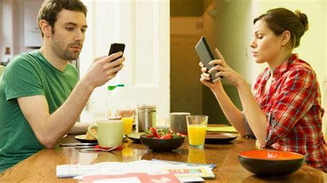 imagenes de niños usando la tecnologia cuando la tecnolog 237 a interfiere en la pareja sfm news