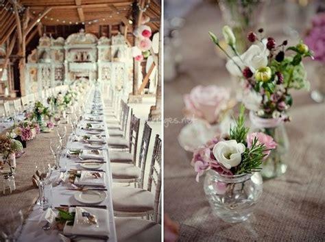 32 id 233 es de centres de table avec fleurs nappe blanche