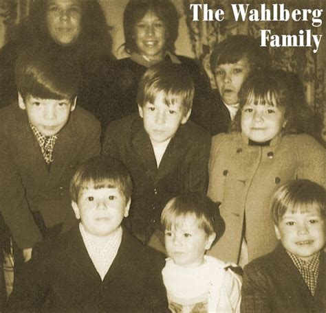 8 Siblings In by The Wahlberg Family Donnie Wahlberg