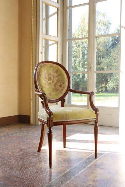 poltrone classiche di lusso produzione sedie classiche arredo di lusso produzione