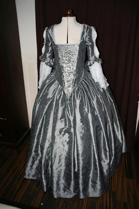 barock kleider historische kostueme
