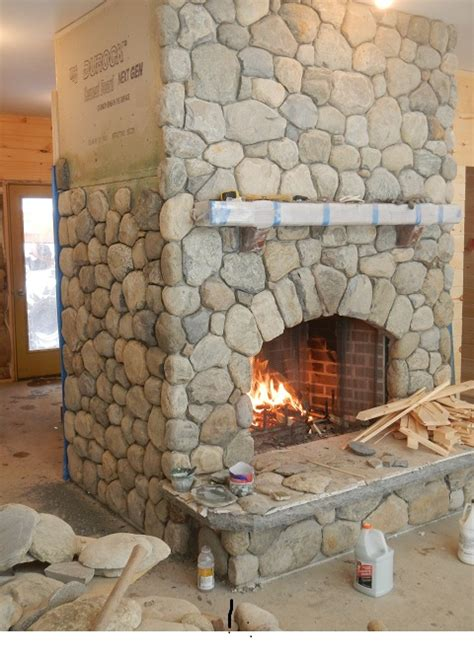 River Rock Veneer Fireplace by Rock Fireplaces Or Rock Fireplace Designs Rustic
