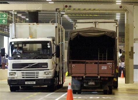 malaysia new year road ban 2015 heavy vehicles is banned on highways hari raya 2015