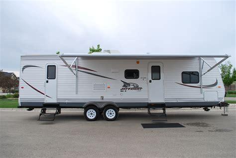 rent a 20 small travel trailer bunks rv rental 29 jayco jayflight bunkhouse luxury travel trailer rental